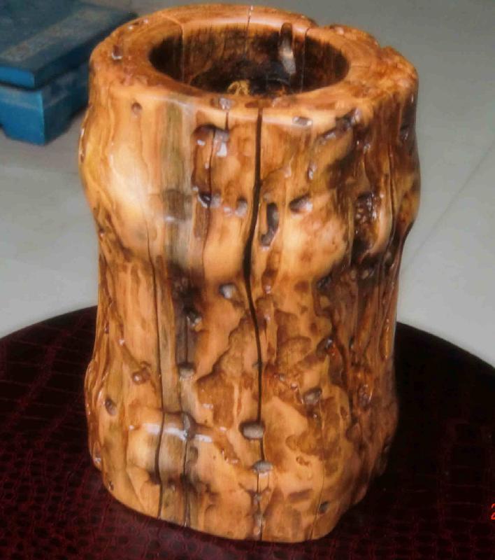 枣木根雕公司生产供应枣木笔筒-枣木根雕图片大全 枣木根雕茶几图片