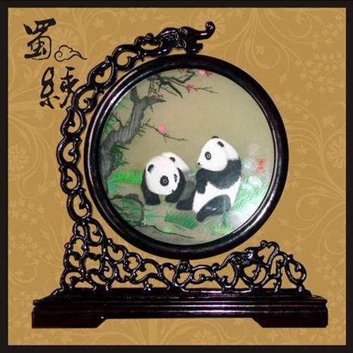 供应银杏熊猫蜀锦 熊猫镜框 四川特色礼品 工艺礼品订制 成都怡佳文化图片