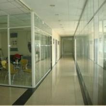 供应临沂百叶玻璃隔断工作更加舒适和快乐--办公室的灵魂 批发