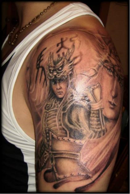选择图案,绘制画稿   1,顾客来到工作室,了解顾客的喜好,意愿,纹身图片