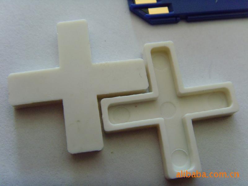 温州厂家直销各种瓷砖定位片塑料十字架 高清图片