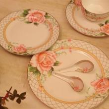 供应经典骨瓷画面46头餐具一品玫瑰,盘子碗套装,超市特供,正品唐山骨瓷批发