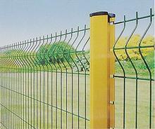 供应供应两道弯护栏网、三角折弯护栏网