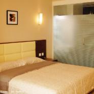 山东青岛宾馆玻璃贴膜图片