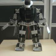 竞赛机器人人形机器人控球大赛图片