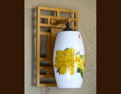 手绘薄胎陶瓷灯罩图片