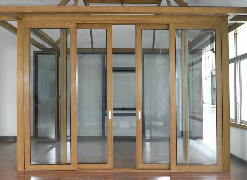 公司生产供应铝合金门窗 高清图片