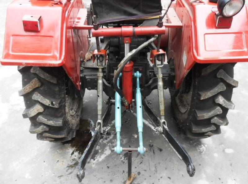 供应专利新品拖拉机升降器图片