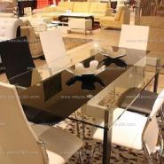 玻璃餐桌图片