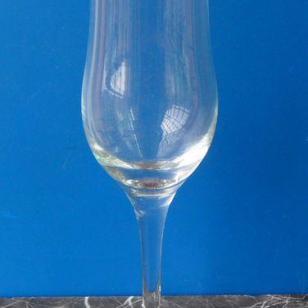 玻璃高脚杯玻璃红酒杯玻璃杯图片