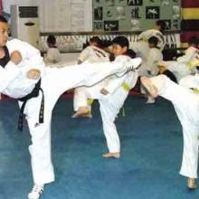 兰州哪里学跆拳道自卫防身术 兰州飞雪跆拳道跆拳道