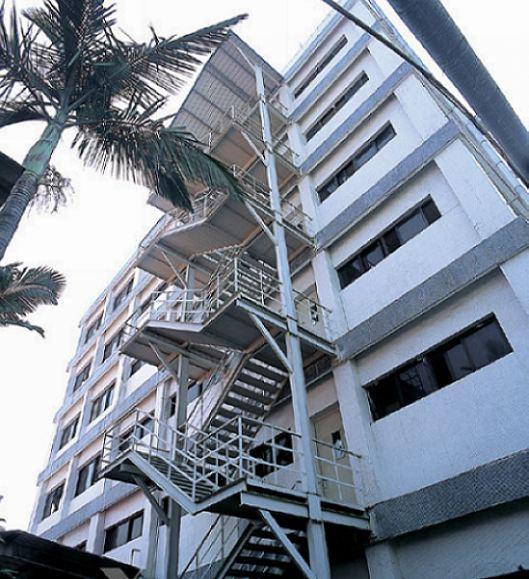 供应耒阳市室外钢楼梯、钢结构楼梯、工厂钢楼梯、螺旋钢楼梯等