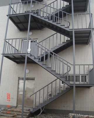 湖南钢楼梯供应商 供应湖南钢楼梯 室外钢结构楼梯 工厂钢楼梯 螺旋