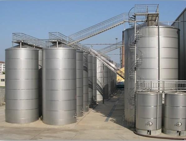 供应用于的大型葡萄酒发酵罐