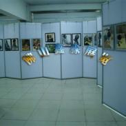双挂画宣传展示架铝合金展架制作加图片