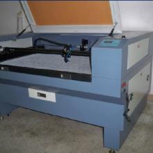 供应全自动摄像激光切割机商标切割批发