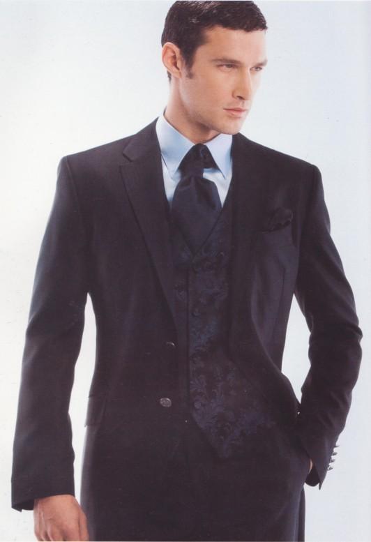供应专业生产各种场合的职业西装
