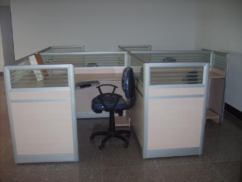 供应河南郑州屏风、郑州哪里办公桌屏风隔断价格低?河南屏风办公桌厂家、