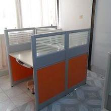 供应新乡屏风桌出售,新乡屏风办公桌厂家,隔断办公桌价格,新乡屏风隔断图片