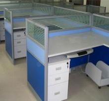 供应新乡简约办公桌、新乡办公屏风桌、办公桌屏风隔断最新报价、厂家直销图片