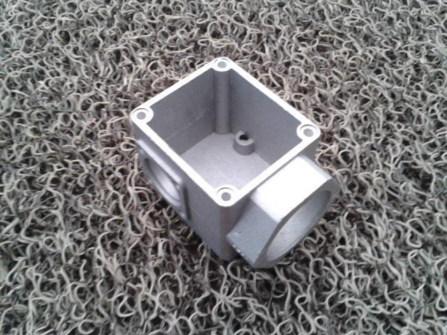 供应铝压铸件常熟市金陵五金制品厂图片