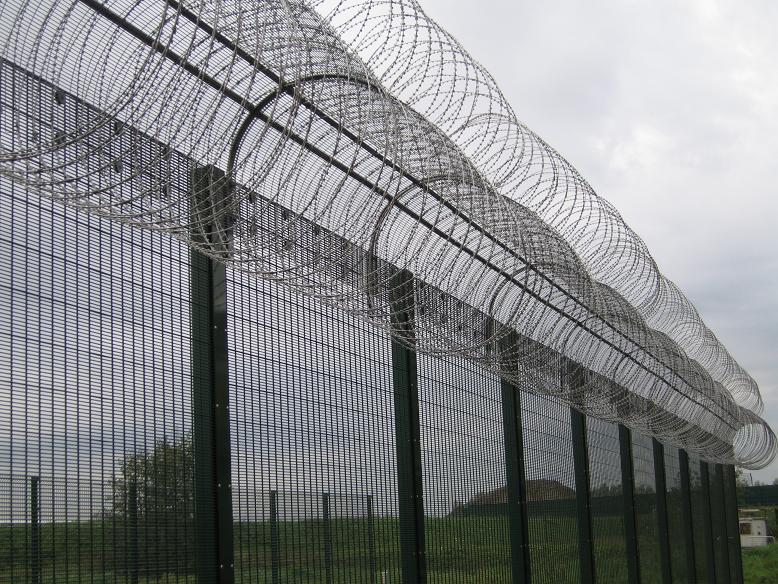 厂家专业生产电厂护栏网监狱隔离网监狱防护网监狱护栏网