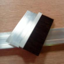 供应铝合金条刷,不锈钢条刷,PVC条刷,铁皮条刷