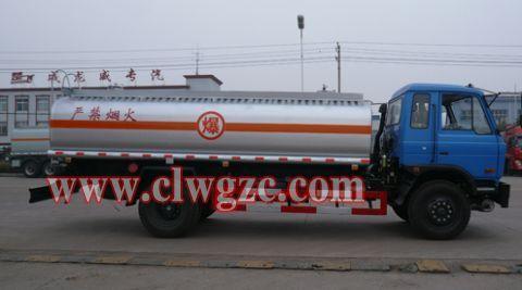 供应东风153加油车15897583377