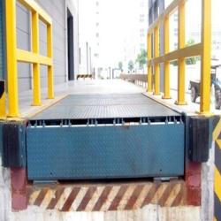 供應裝卸過橋板液壓調節登車橋廣州鑫力叉車機械有限公司