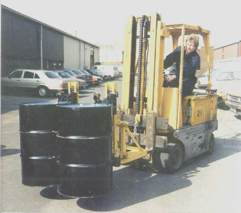 供应轻型油桶夹具/双鹰嘴轻型油桶夹头夹具/多元素合金钢铸造夹油桶夹具