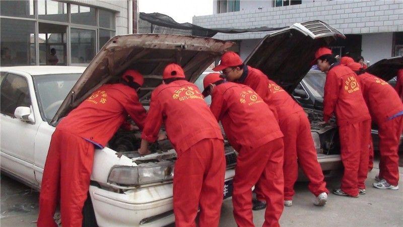 汽车电器维修班图片高清图片