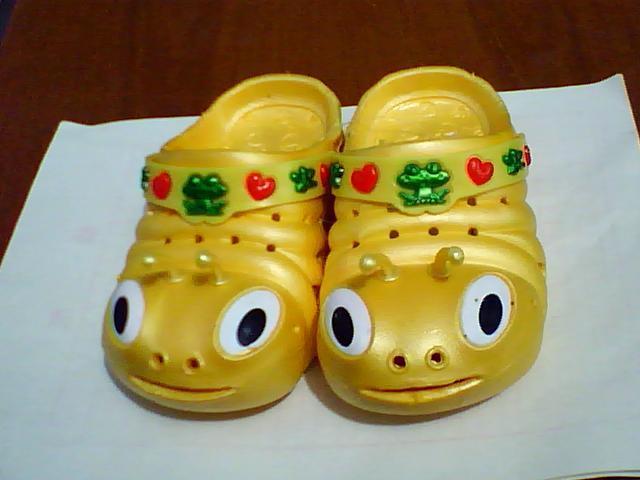 新款拖鞋图片