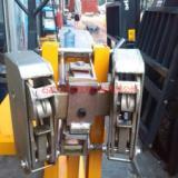 供应叉车专用油桶夹