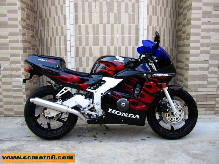 驰诚车行供应92年本田CBR250RR22期二手摩托车