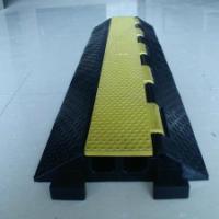 北京橡胶穿线减速带-北京减速带