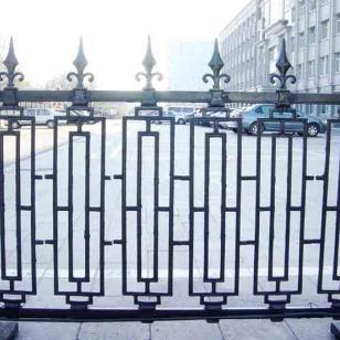 北京怀柔哪卖铁艺护栏及大门-北京图片