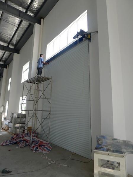 卷帘门主要配置产品名称50铝型材工业卷帘门欧式卷帘门门体颜色白色