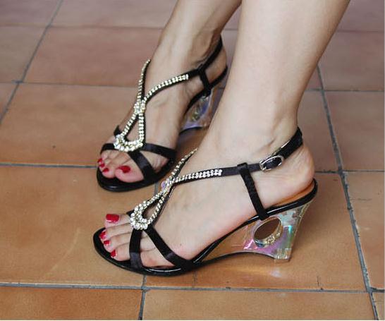 2012夏季热卖款凉鞋女坡跟公主鞋罗图片