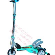 供应儿童健身玩具欧标趴趴跑脚踏滑板车