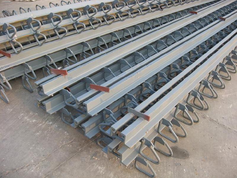 供应17内蒙古高速公路桥梁伸缩缝施工