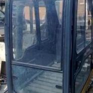 龙工挖掘机驾驶室图片