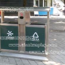 贵州公园健身器材行业价格,四川彩色橡胶地面行情, 重庆户外垃圾桶双筒式垃圾桶厂家批发
