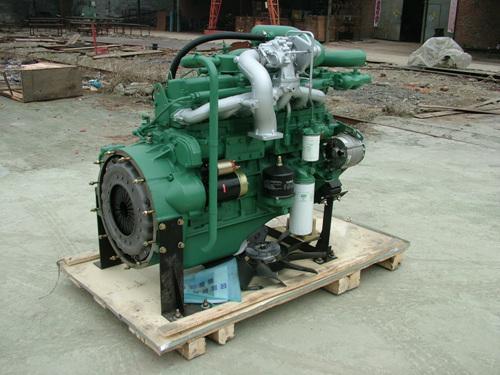 供应锡柴210马力发动机图片