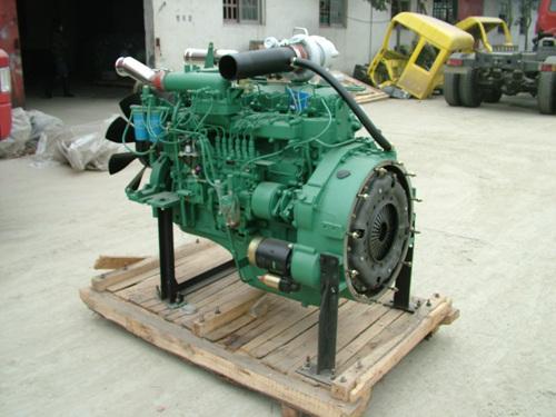供应240马力锡柴发动机图片