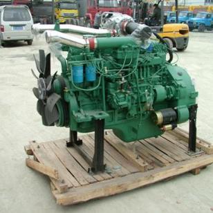 一汽锡柴240马力发动机图片