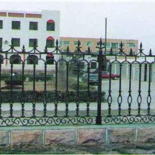 铁艺护栏网铸铁围栏图片