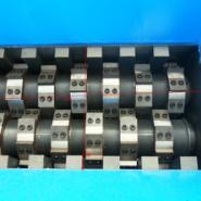 轮胎粉碎机V广州万能粉碎机价格图片