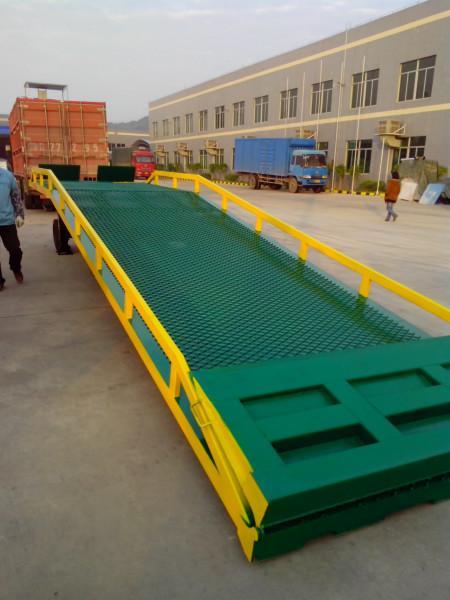 供应叉车上柜过渡桥板装卸台最优质生产商