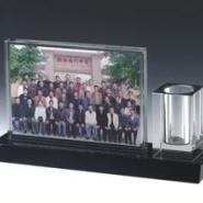 福建水晶笔筒图片