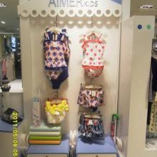 供应深圳童装服装展柜